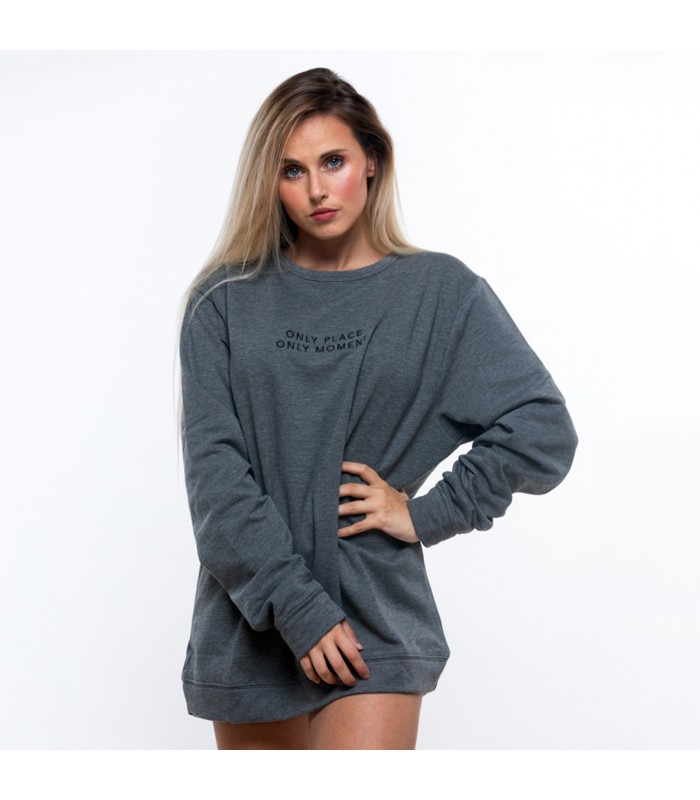 Gloria Monserrat with VIVALMA ONLY sweater (Vivalma).